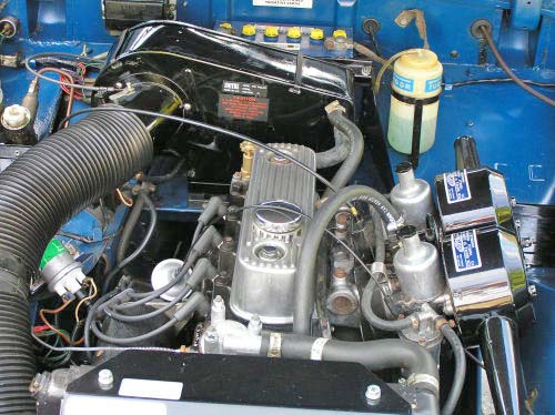 look under the bonnet of MG Midget at the engine